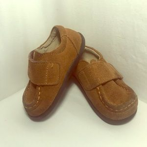 See Kai Run Smaller brown leather shoes